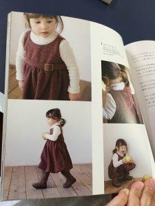 小さな女の子のお洋服